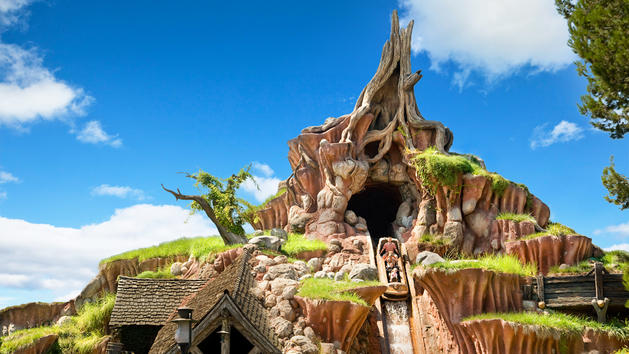 How to make your employees love you after they leave you. | CareerSupport365_splash-mountain